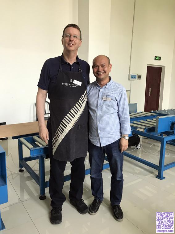 与美籍德国钢琴制造大师Kevin Paul Gouldmann先生在霸拓(长沙)修造研习社.JPG